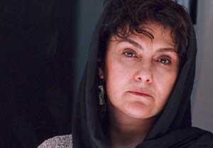 زویا پیرزاد: من داستان آدمهای عادی را می نویسم